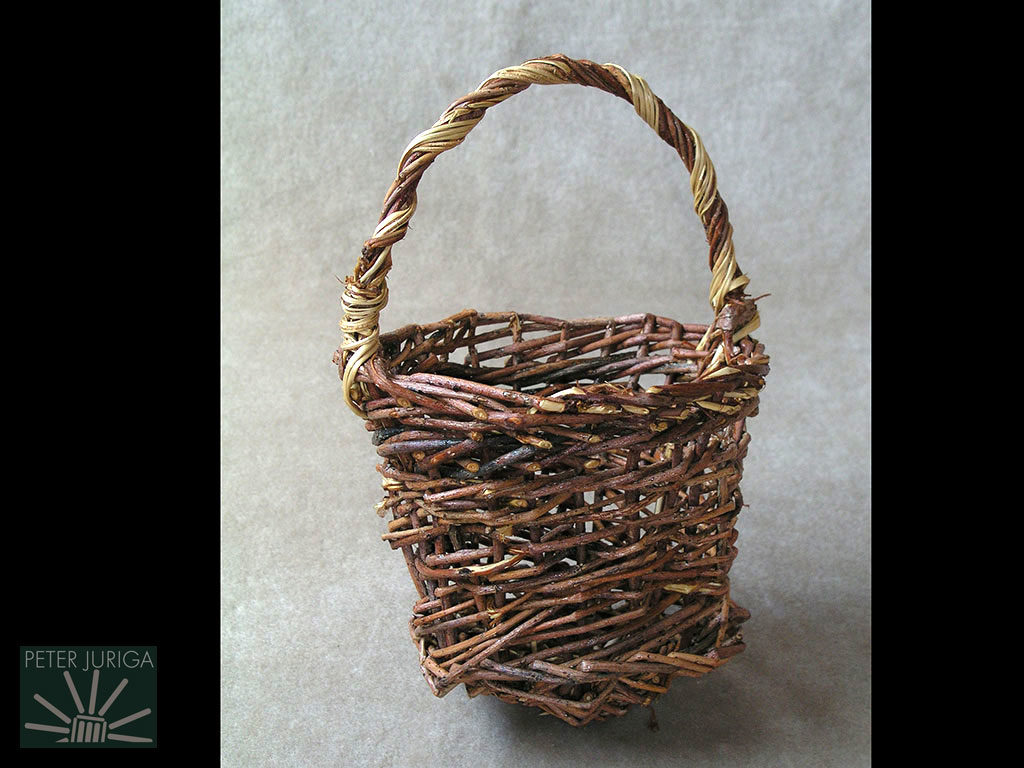 1990-2 This is the first basket I made with guidance from a small brochure. I became more aware of the skills I needed to improve, and that I needed more precious handbooks | Peter Juriga