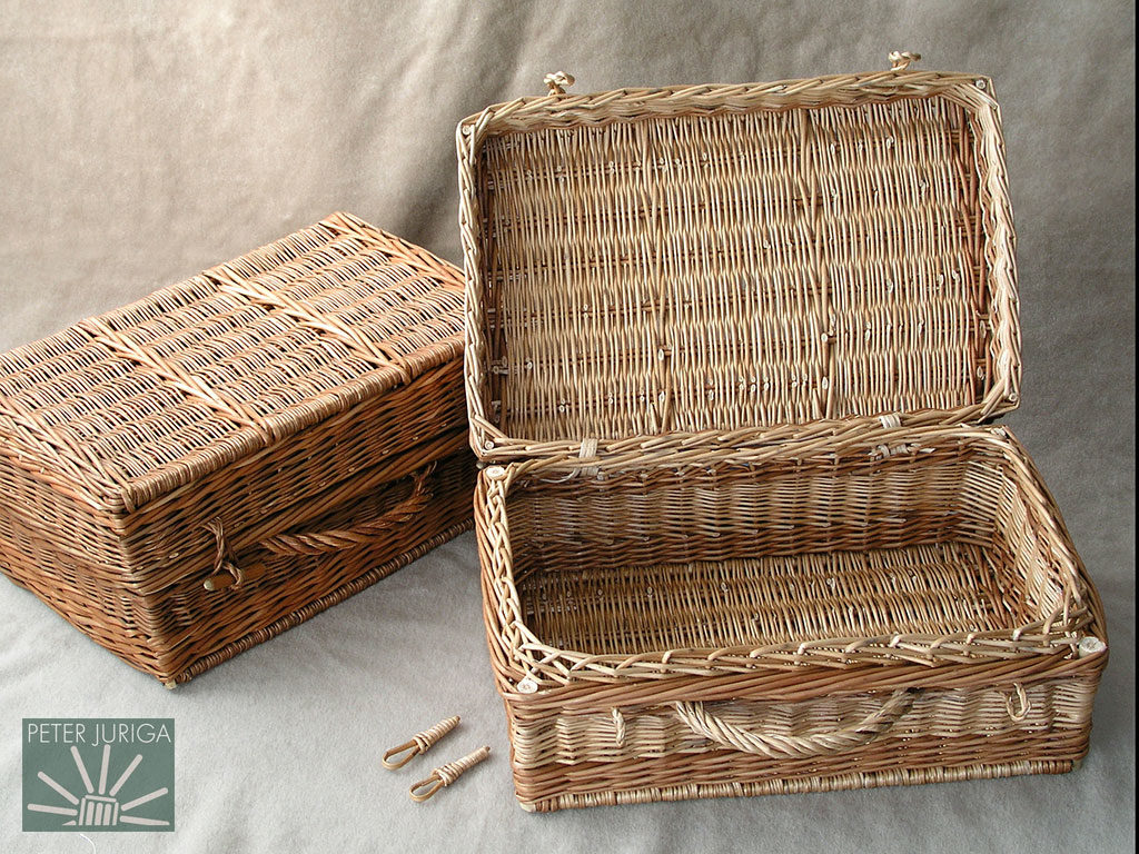 2002-4 I myself verified the workability of the written procedure for this method - I wove the open hamper shown at the right | Peter Juriga