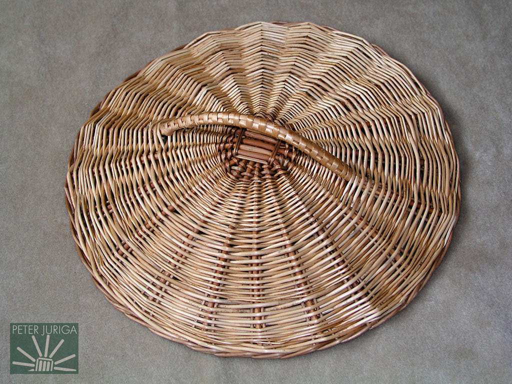 """2003-06 Lid with a skeined handle (a """"skein"""" is a strip of split rod). 