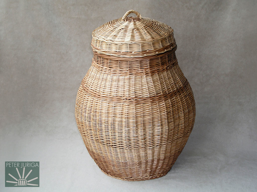 2003-08 This laundry basket was made to show how to shape basket walls, and make another type of lid and handle | Peter Juriga