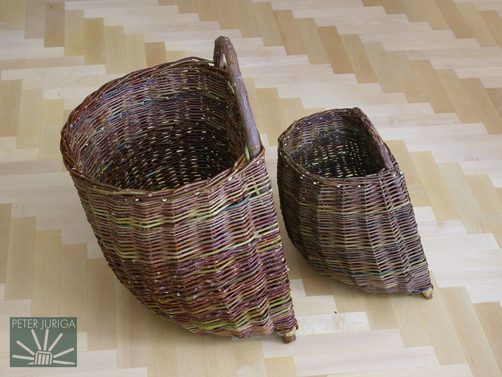 2010-1 At the left is a traditional Orava (northern Slovakia) back basket. On the right is a modified variant | Peter Juriga