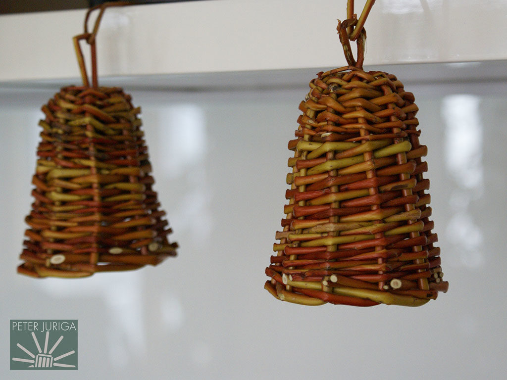 2010-5 Decorative bells made from Golden willow on a wooden mold. A thinner willow like Uralis would be more appropriate for the size of these bells | Peter Juriga