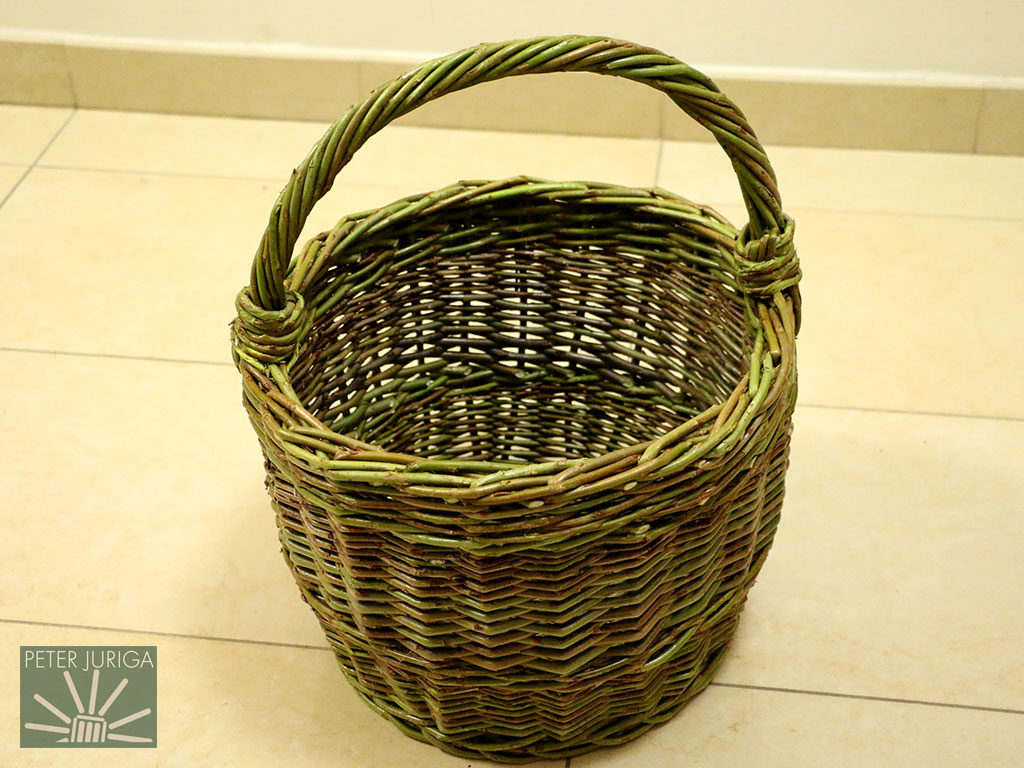 2015-1 A basket woven from fresh wild willow. It is the model for my special courses in Sidorovo, Slovakia, where we go into the wild to collect willow for weaving | Peter Juriga