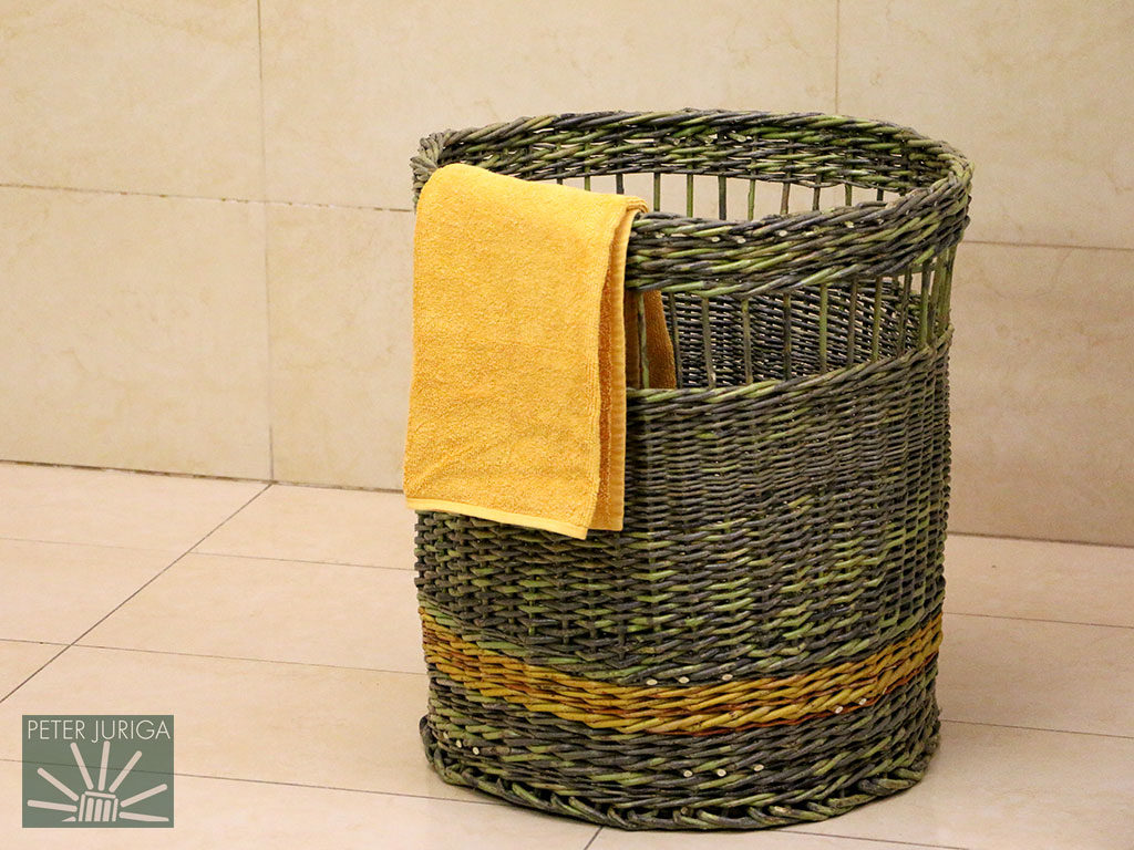 2017-4 I was invited to present at an event and created this laundry basket. Made from my 'Fountain' willow variety with the yellow strip being from Golden willow | Peter Juriga