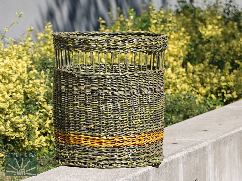 2017-5 Laundry basket woven from fresh willow just before it completely dried - no soaking used | Peter Juriga